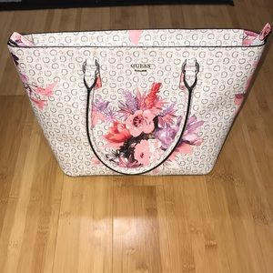 Guess tote large purse with flowers and zipper